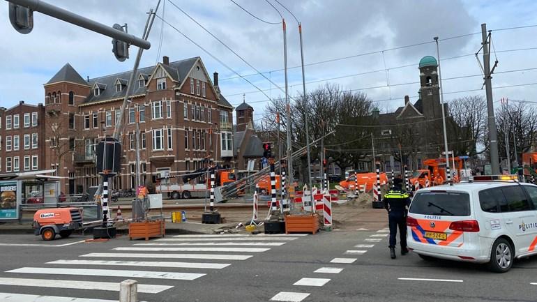 Foto-stoplicht-valt-op-bovenleiding-tram-kruispunt-Westdijk-Pieter-de-Hoochweg